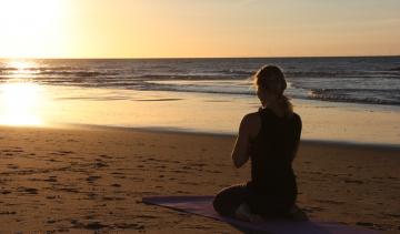 Deze yogaoefeningen geven jou een betere nachtrust