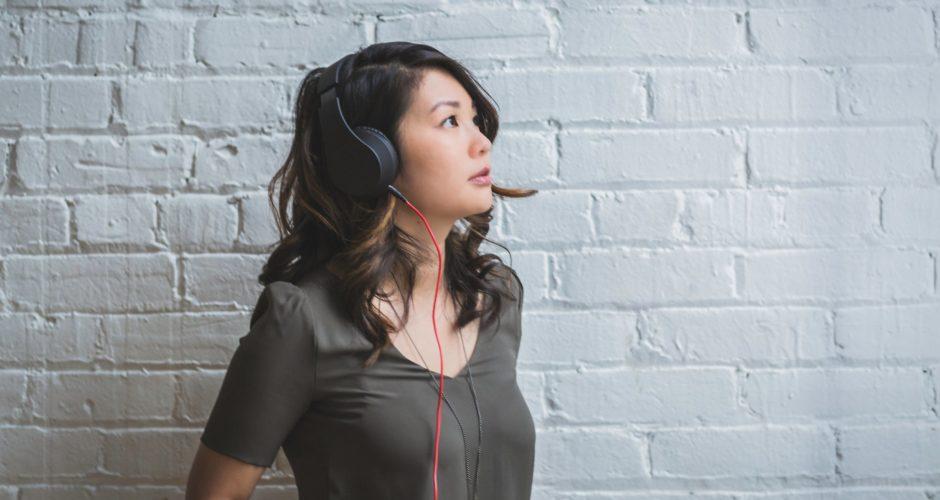 woman-headphones-podcast