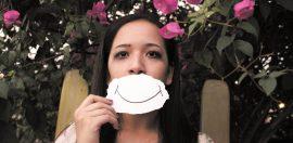 NiceDay blog: Geluk… dit is een onderwerp waar iedereen wel eens over na heeft gedacht. Want kun je alle dagen gelukkig zijn?
