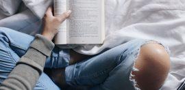 vrouw-boek-lezen-jezelf-openstellen